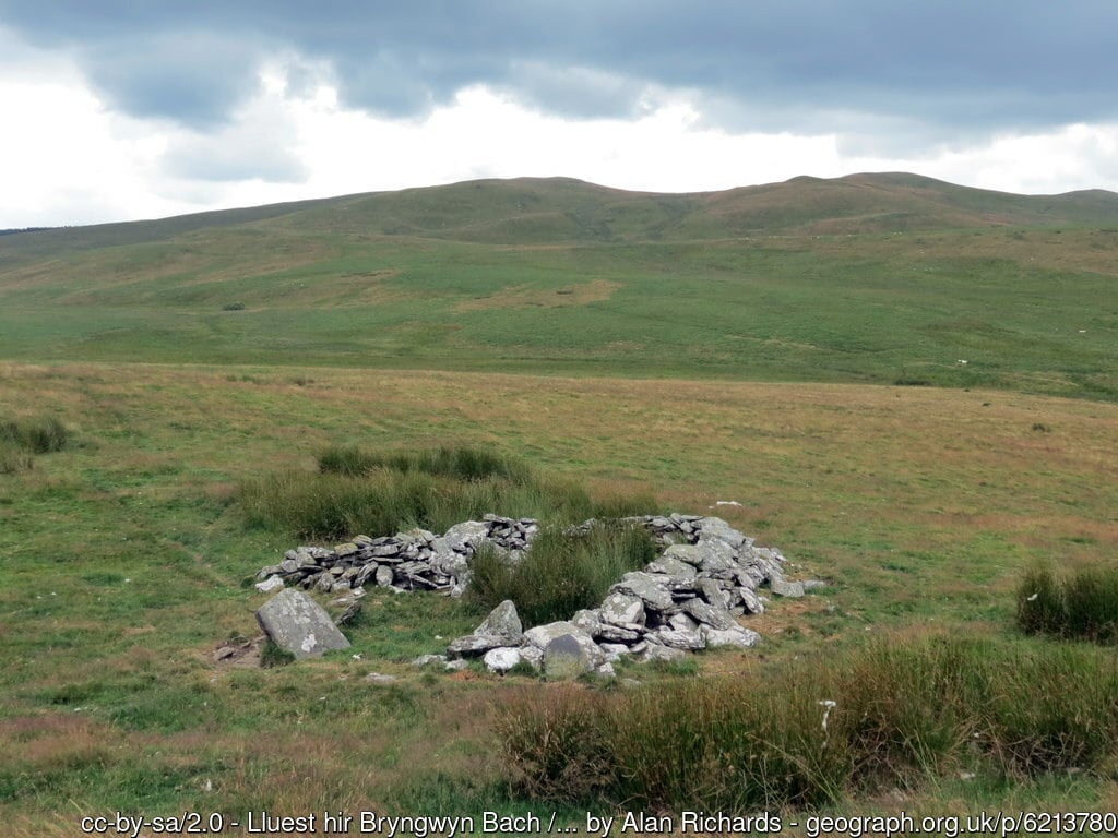 Photo of ancient long house at Bryngwyn Bach on Rhos Gelli Gron common, close to the proposed fence-line. © Alan Richards, Creative Commons Licence